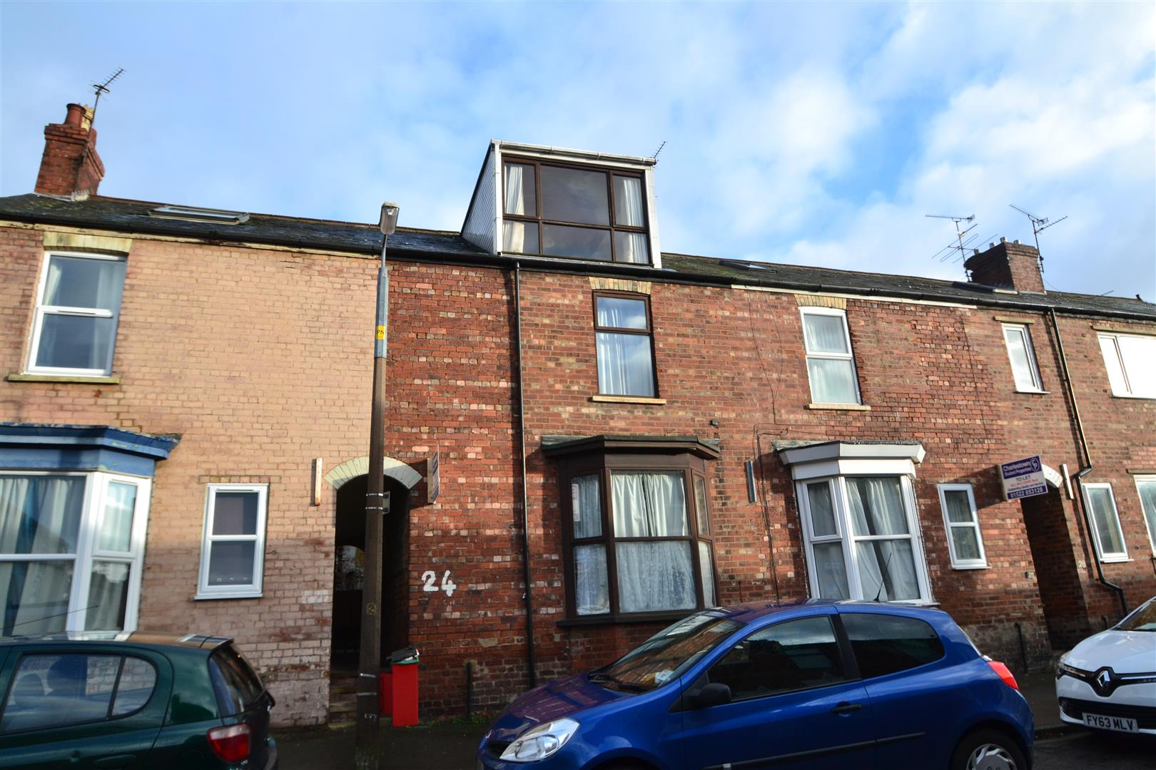 4 Bedrooms Terraced House for sale in Victoria Terrace, Lincoln